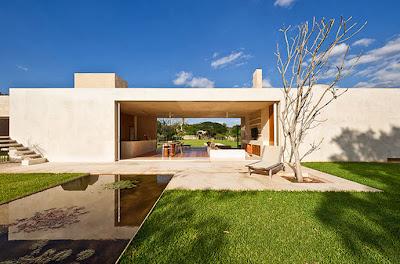 Exterior de la casa hacienda moderna