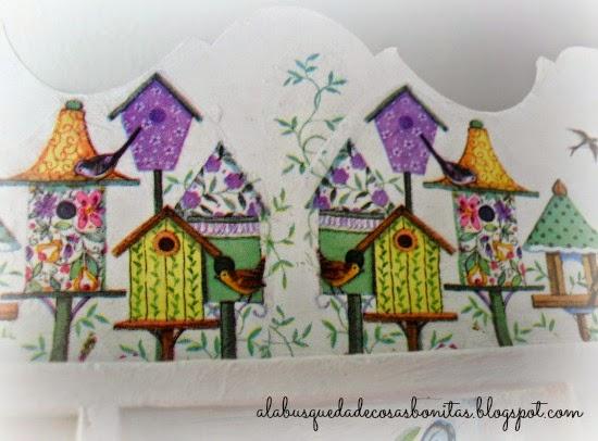 Casa de madera con decoupage