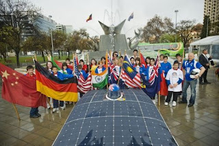 39 solar cars race across Australia