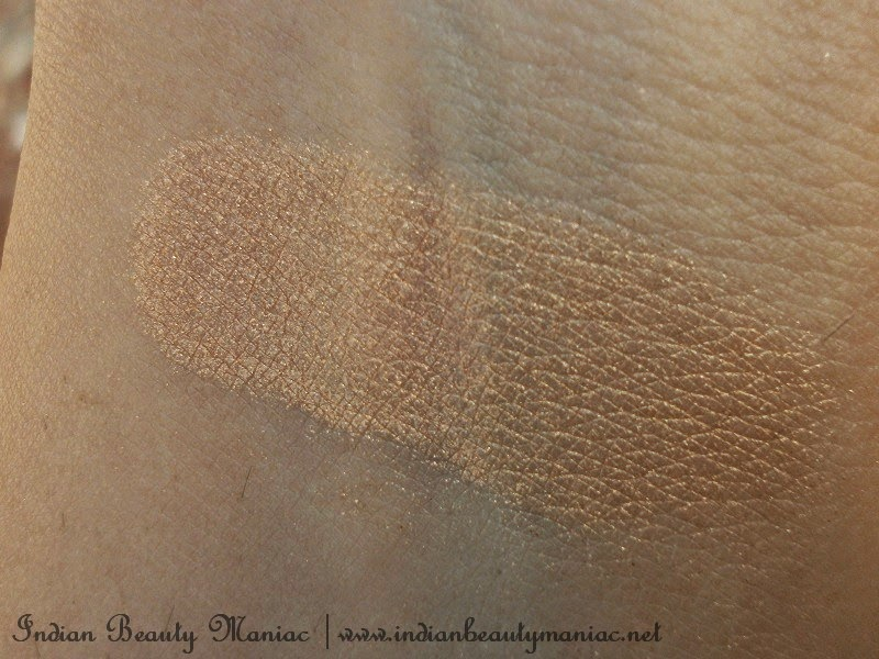 Bourjois Paris Intense Extrait eyeshadow in 02 swatch