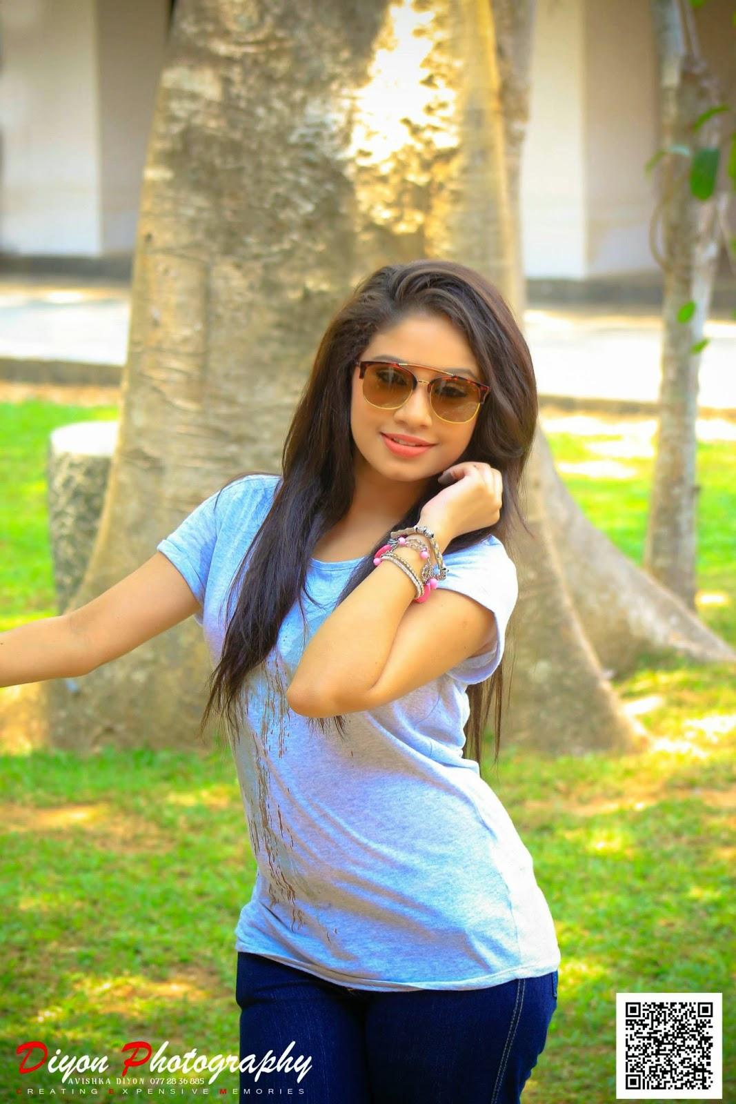 Shehani Kahandawala jeans