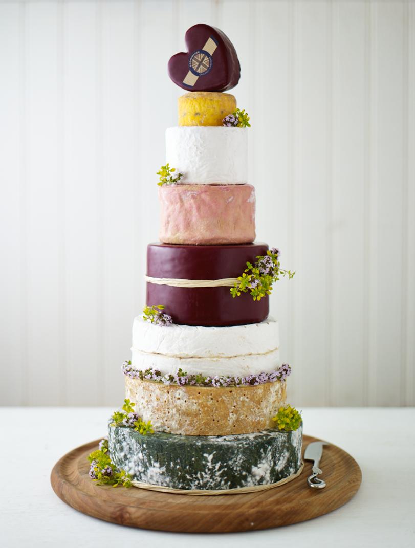 Hi: Creative Wedding Cakes...!!