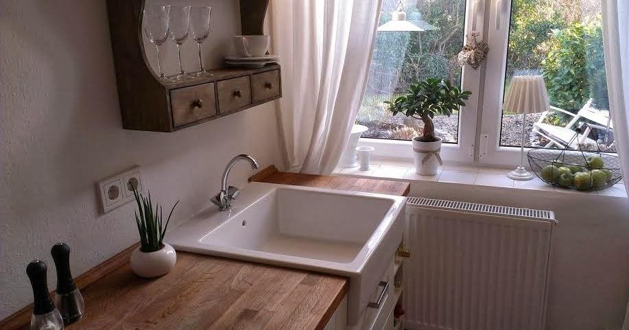 wohnszene k chenfensterbank mit tropffuge. Black Bedroom Furniture Sets. Home Design Ideas