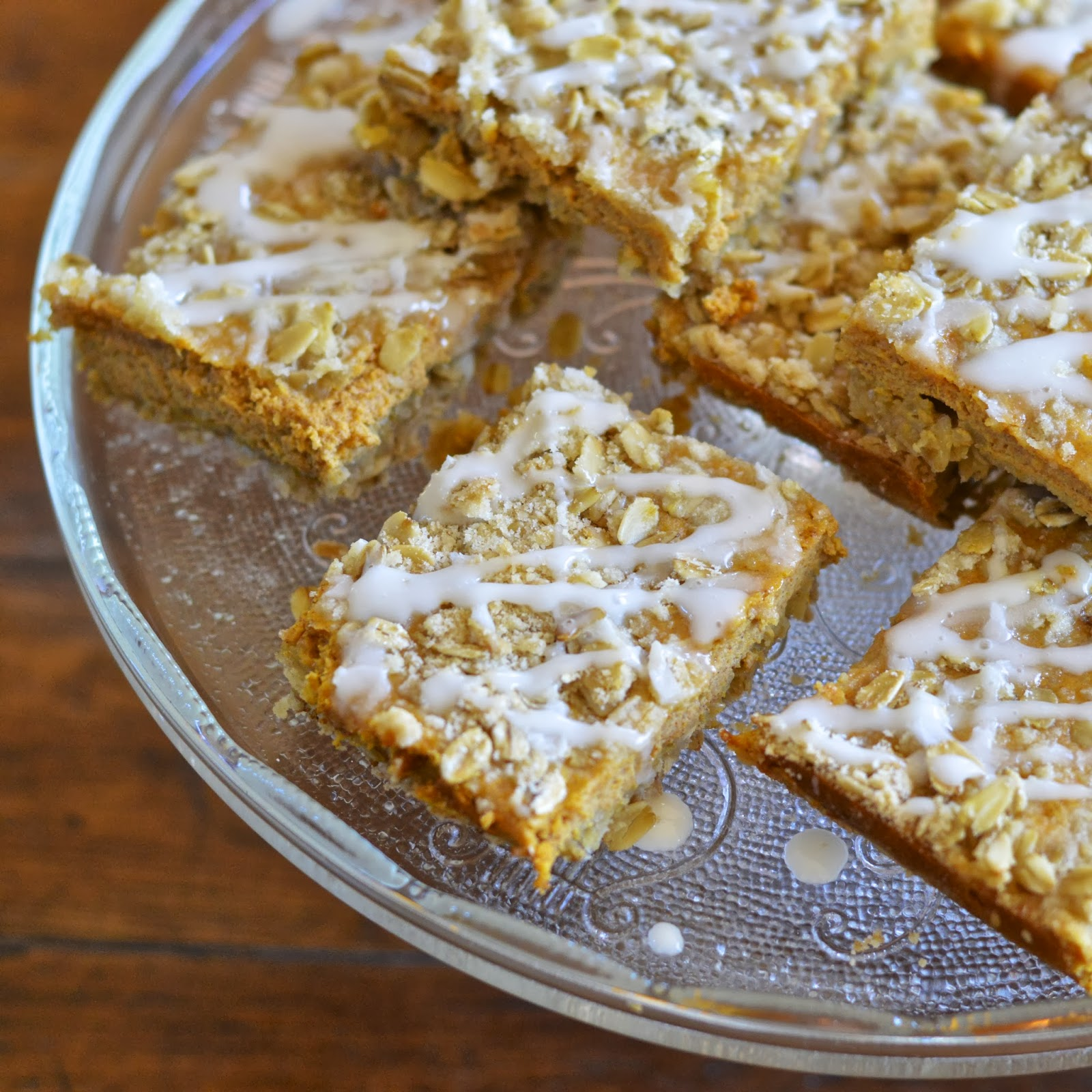 Pumpkin Oatmeal Breakfast Bars | Virtually Homemade ...