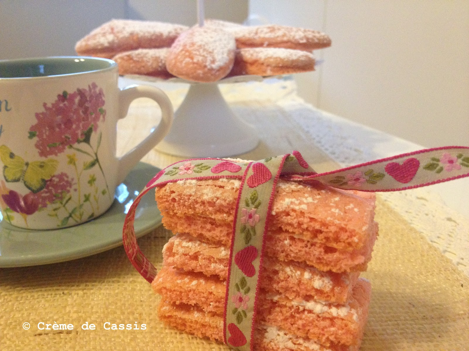 CrèmeDeCassis: Biscotti Rosa di Reims