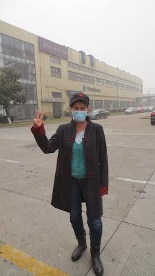 Barbara im Smog in Waigaoqiao, Shanghai