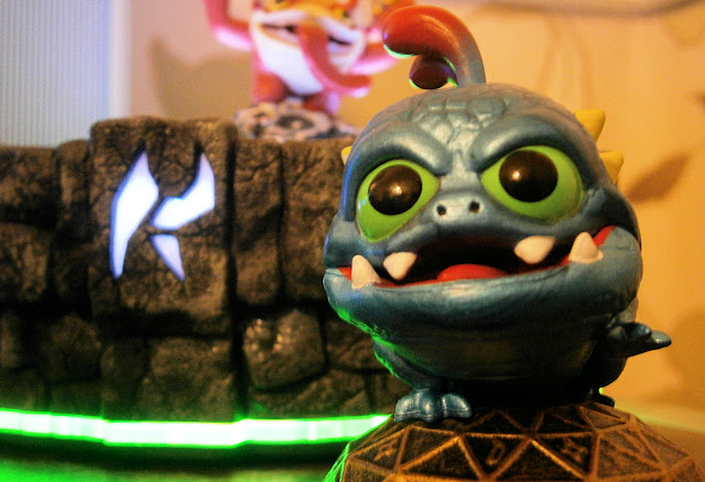 skylander wrecking ball character
