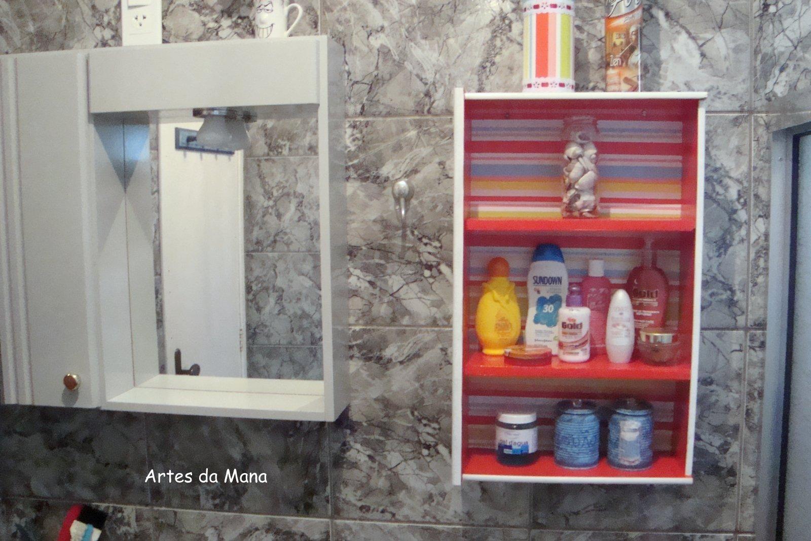 Meu Banheiro com Reciclagem ARTES DA MANA #9D2E2E 1600 1067