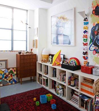 Una casa con mucho arte estudio lota for Decoracion con muchos cuadros
