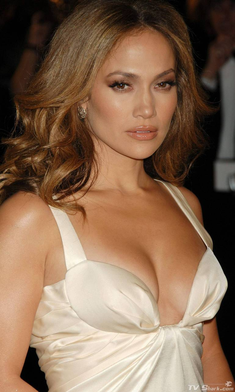 Jennifer Lopez Cleavage Nude Photos 81