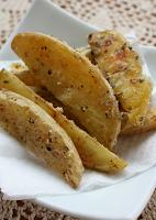 """Batata """"Frita"""" no Forno com Alho (vegana)"""