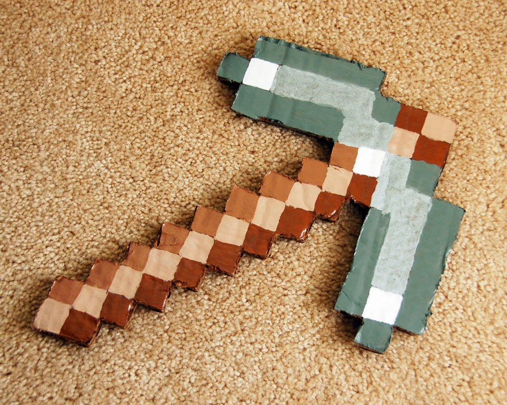 how to make a minecraft pickaxe in real life cardboard