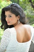 Ishitha Vyas sizzling pics-thumbnail-14