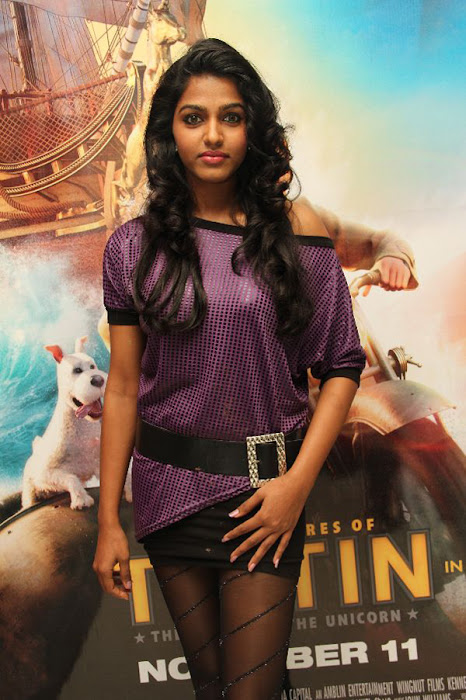 simbu dhanshika @ the adventures of tin tin premiere event actress pics