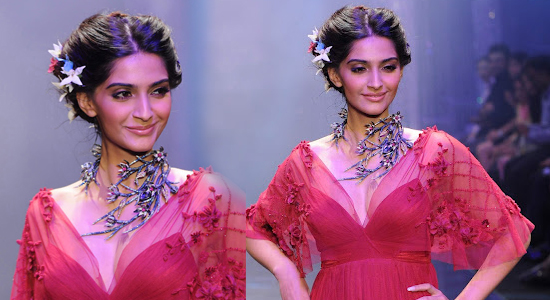 Sonam Kapoor Hot Red Dress in Fashion Show in UK 2012