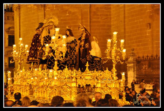 SEMANA DE PASION. 2014 - Página 3 Paso+del+Duelo+Santo+Entierro+Sevilla+2012+(7)+copia