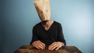Cultul prostiei umane: 4 Strategii de manipulare şi prostire a oamenilor