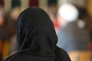 Muslimah Berjilbab Diserang Saat Jemput Anak di Sekolah Islam