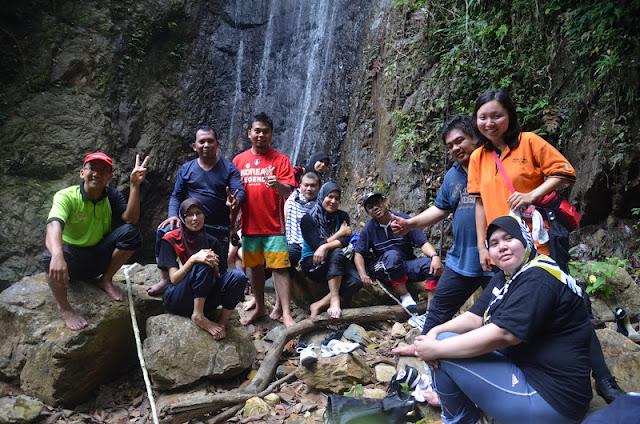 Petronas - Takah Pandan Waterfall at Selai Endau Rompin - Adventure Teambuilding
