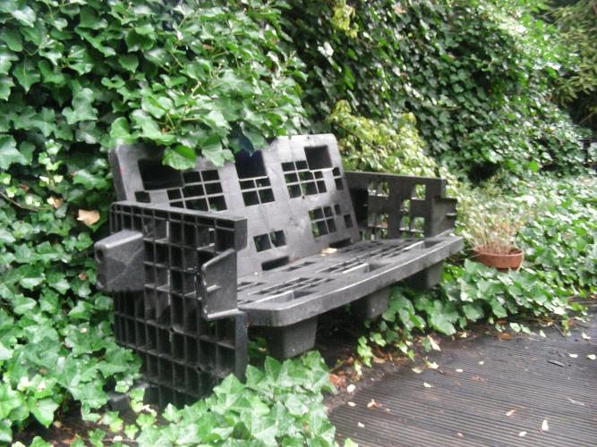 Ewa in the garden 18 best garden recycling ideas hand for Recycled garden furniture ideas