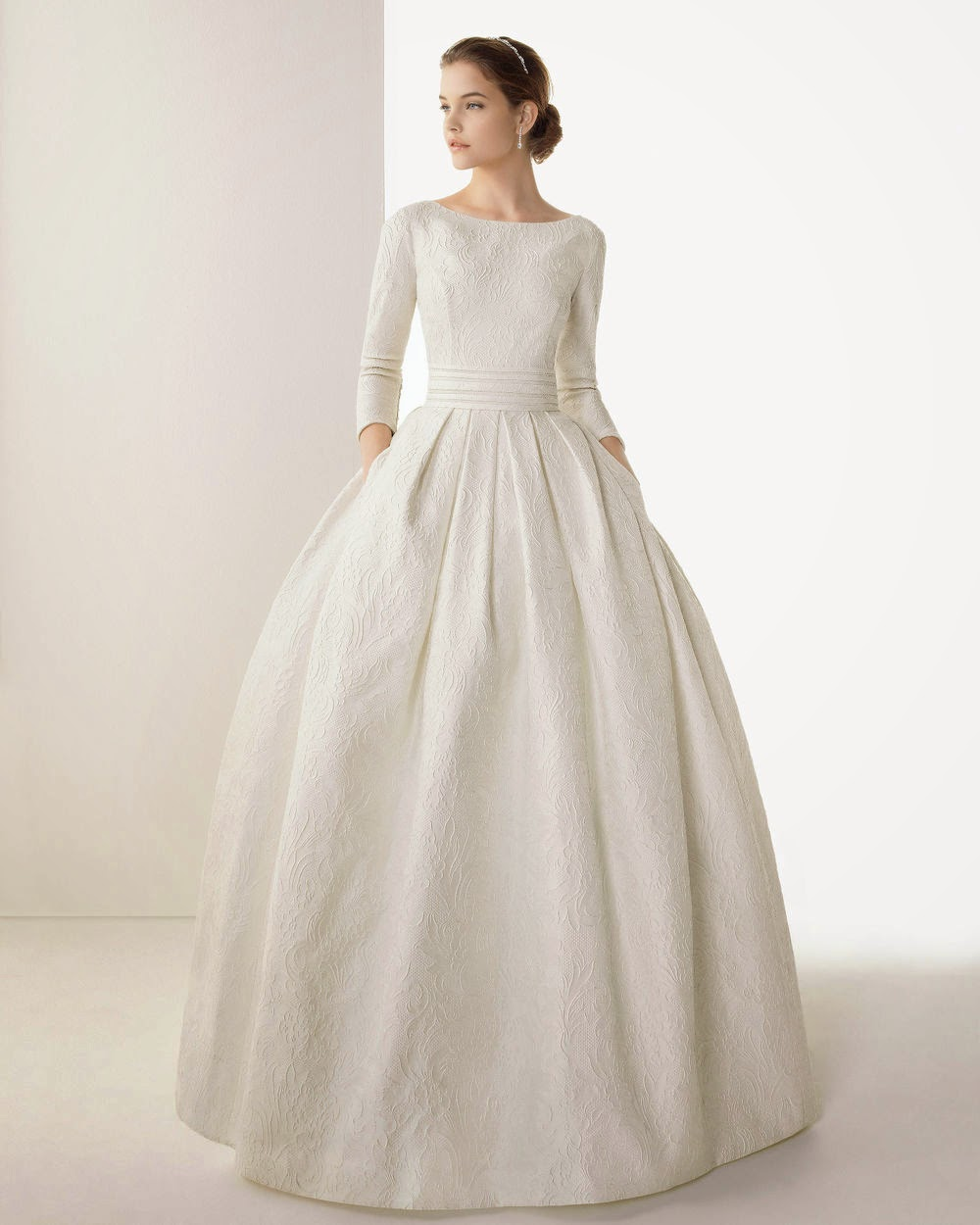 Wedding Gowns: Long Sleeve Wedding Dresses