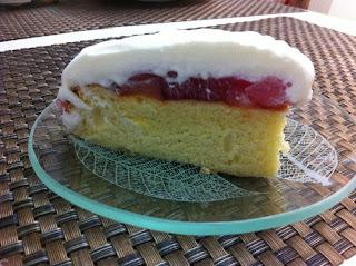 עוגת טורט עם אגסים וקצפת