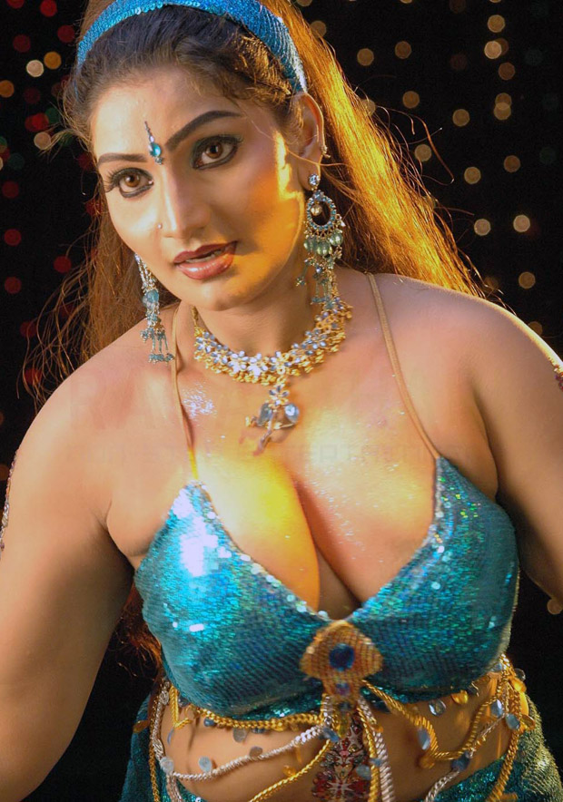 Glamorous girls: babilona hot and sexy stills gallery