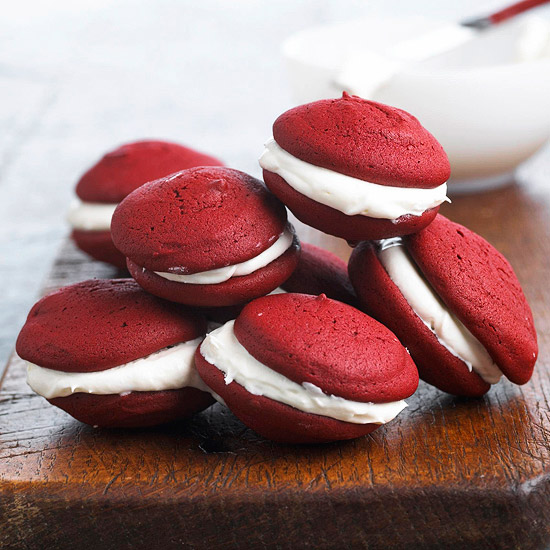 red-velvet-whoopie-pies.jpeg