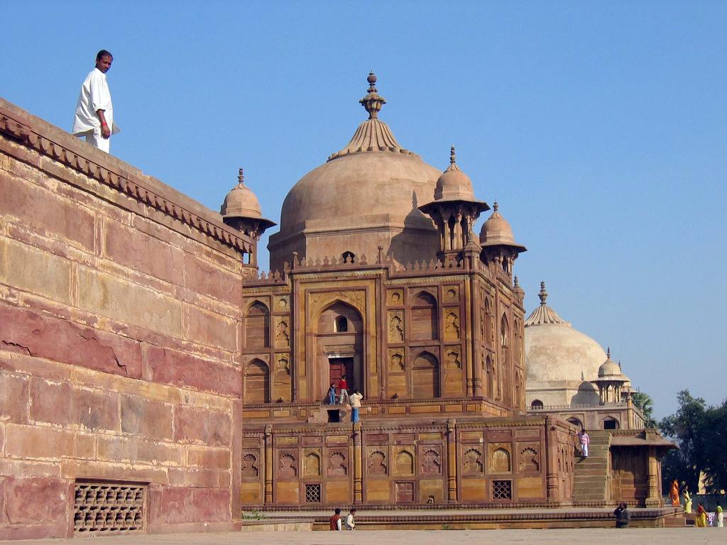 Pergantian Nama Kota Warisan Muslim di India Picu Polemik