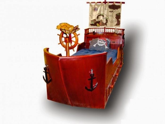 Tempat tidur anak model kapal laut yang atraktif