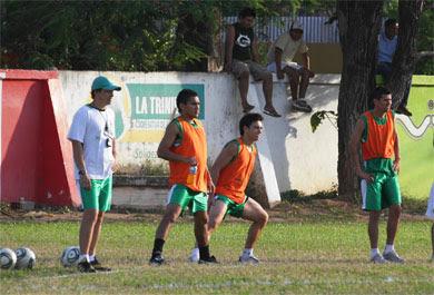 Oriente Petrolero - Alcides Peña, Marcelo Aguirre, Juan Carlos Arce