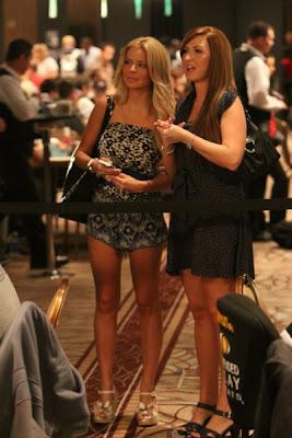 sexy poker women 640 31 [Gambar] Pemain Poker Wanita Yang Cantik Dan Seksi