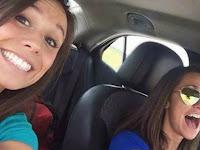 Selfie Saat Mengemudi, Wanita Ini Tewas dalam Kecelakaan