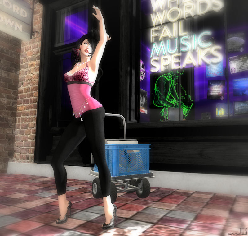 Second Life Avatar Virtual Fashion Review