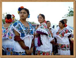 vestimenta mujer azteca