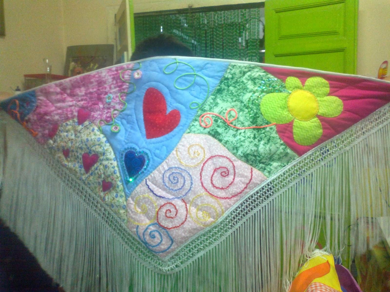 Mantones para ferias faralaes trajes de gitana mant n - Tecnicas de patchwork a mano ...