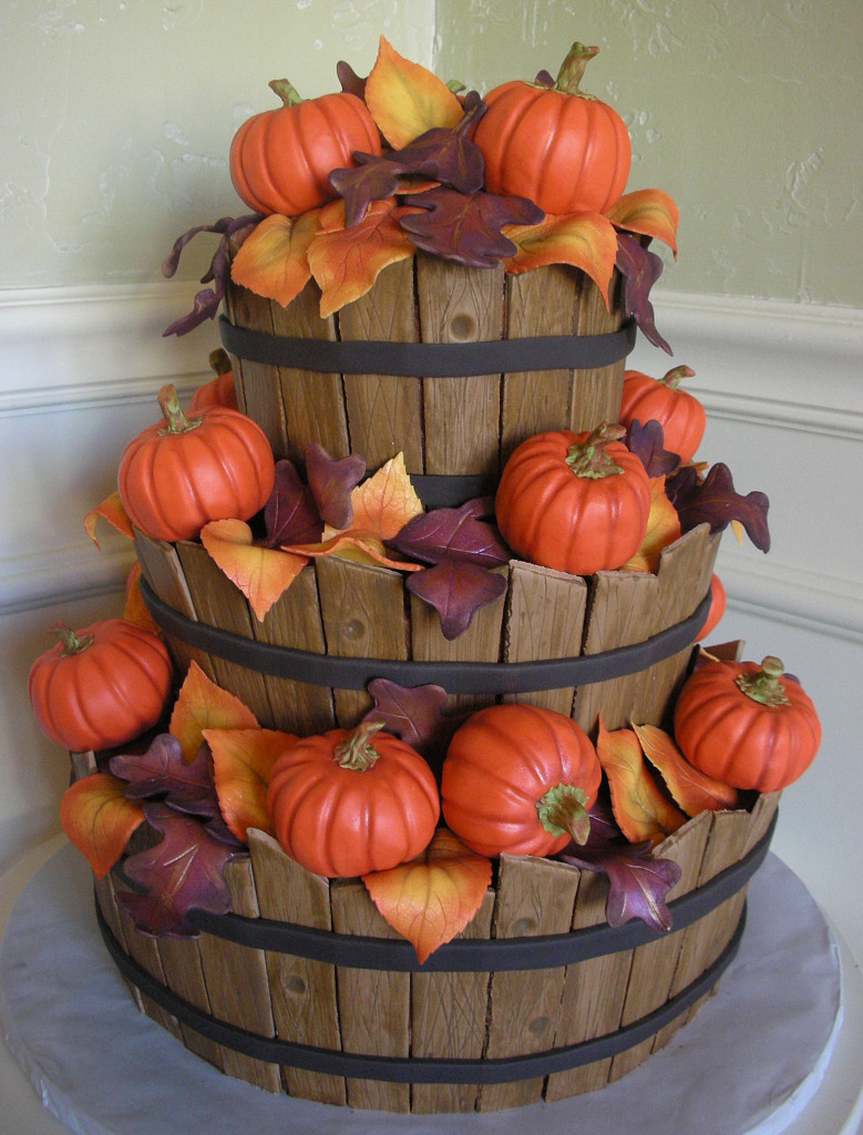 All about wedding cake autumn wedding cakes for Autumn cake decoration