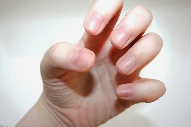 Sorelle in style beauty tips perfecting the at home manicure step 2 in a small bowl filled with warm water and a squirt of gentle hand soap nothing antibacterial its too harsh on hands soak your nails for a few solutioingenieria Image collections