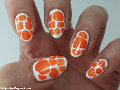 http://belgijska.blogspot.com/2015/09/31dc2015-orange-nails.html