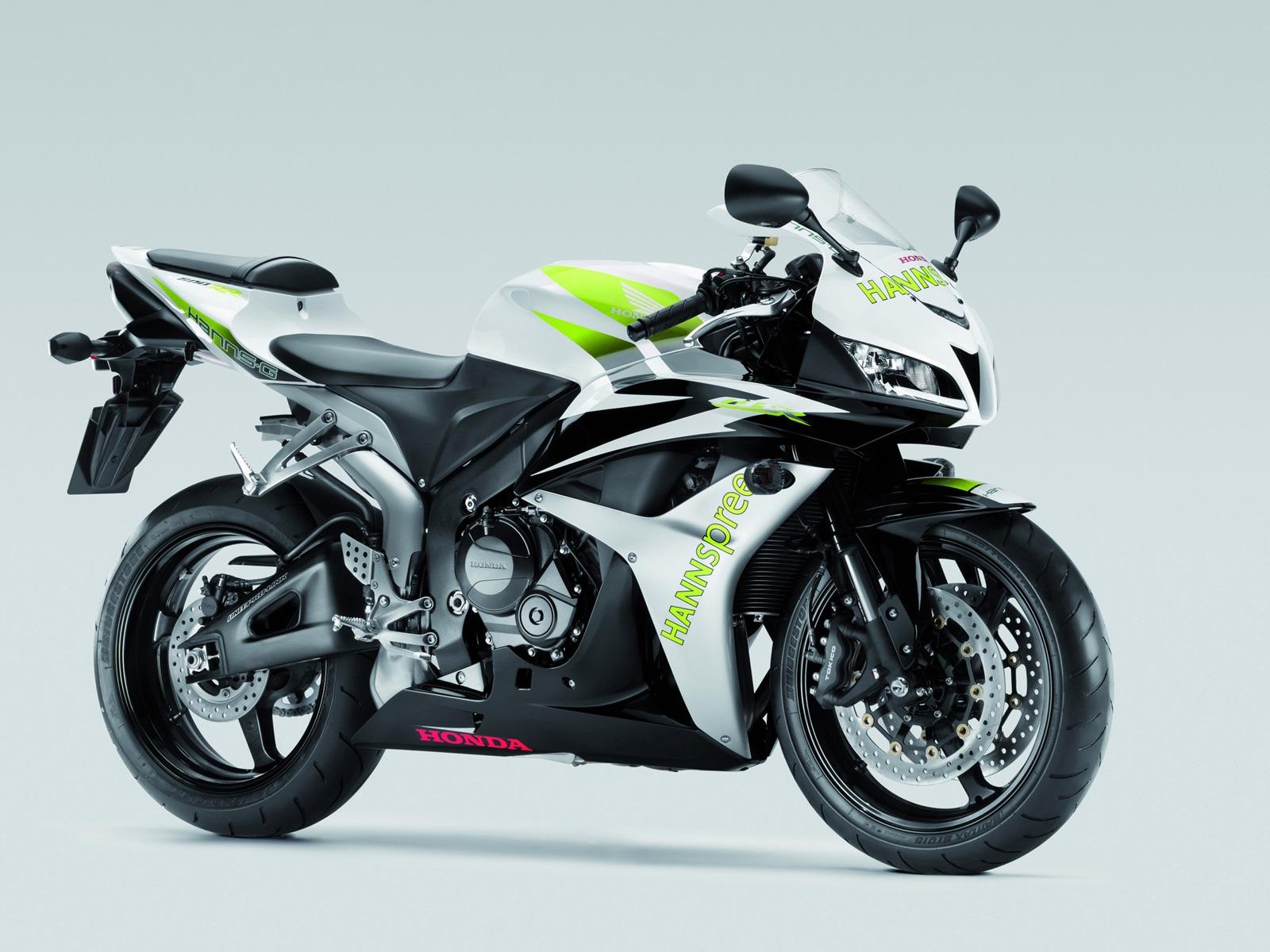 http://1.bp.blogspot.com/-X4K0lVASbXg/Tn04JWmXHjI/AAAAAAAABiA/R_aad0SBIQ8/s1600/Honda-CBR-600-RR-2011-Images-White-Green.jpg