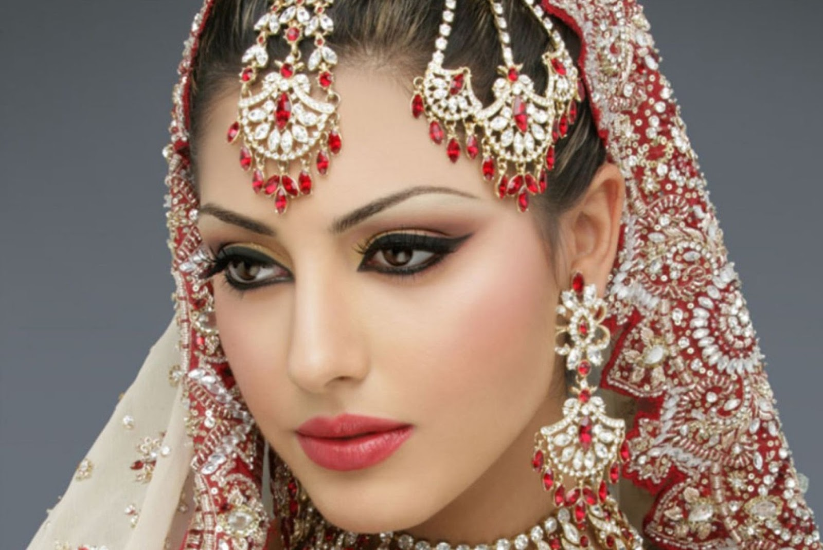 Applying Your Own Wedding Makeup : How To Do Your Own Bridal Makeup Diva Likes