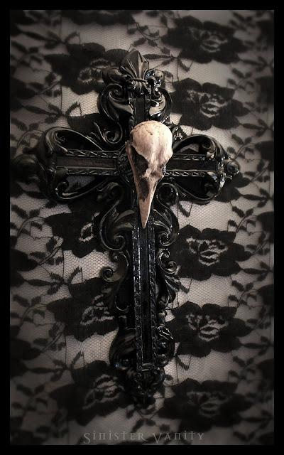 decorazione gotica a croce gothic cross decoration