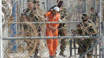 Kisah Penjaga Penjara Guantanamo yang Memeluk Islam