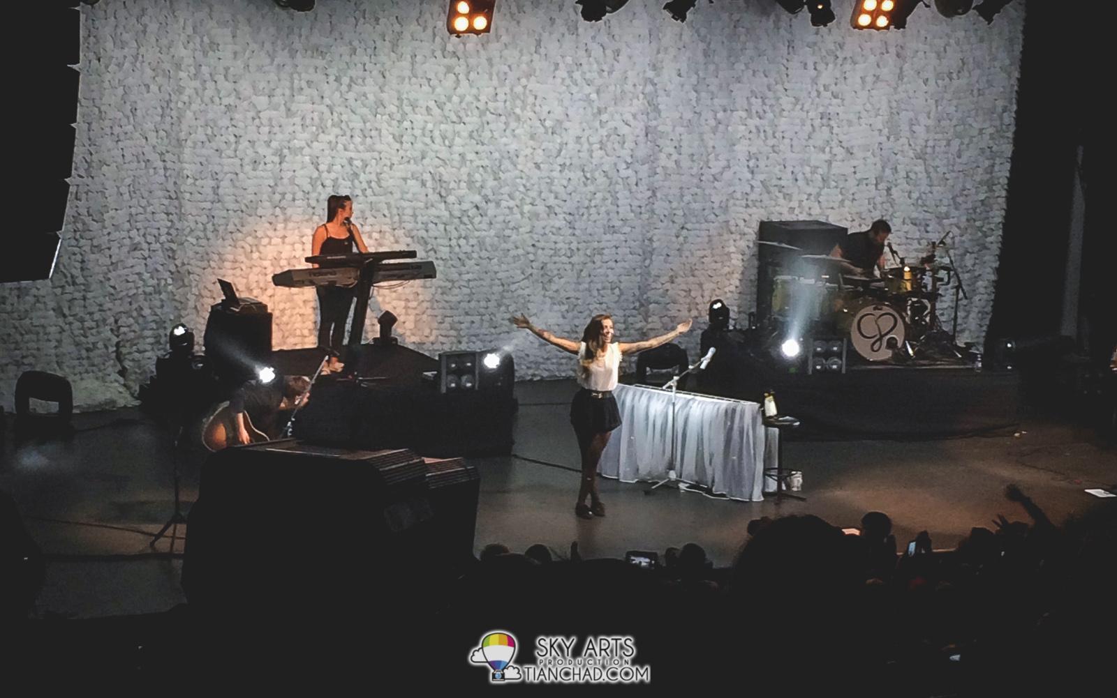 Christina Perri Live in KL 2015 - Actual Concert Night @ KL Live Elegant side of Christina Perri. Oh wait she has been always elegant!