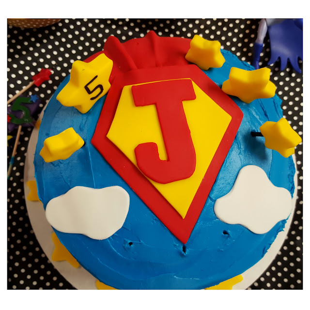superman cake idea, superhero cake design, eventsojudith