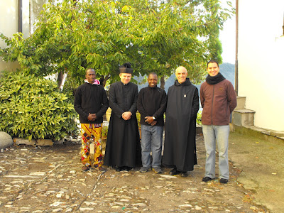 Dom Jehan and the three first applicants around Don Tomaso Parish priest of Villatalla