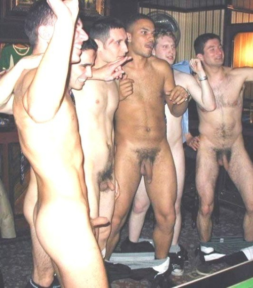Athlète porno furtivement dans le vestiaire