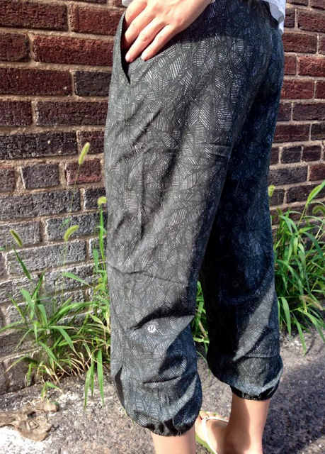 lululemon jazzy gator om pants