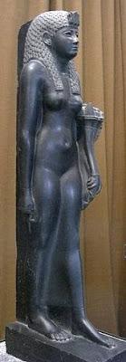 Estatua de Cleopatra como diosa egipcia