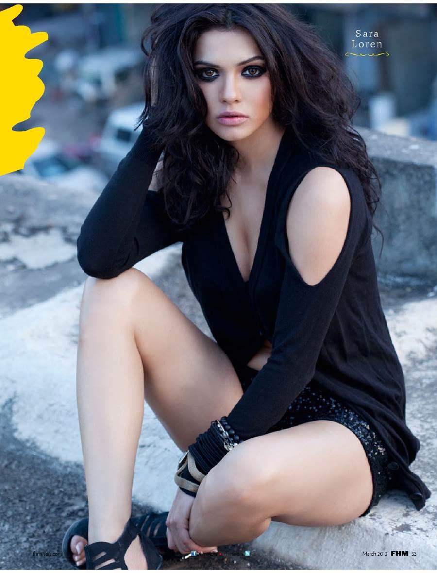 pak celebrity gossip: sara loren (mona lisa) hot fhm cover girl